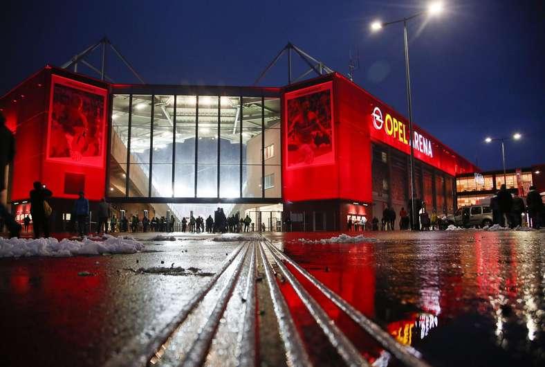 Zugangskontrolle für Mainz 05: Testweiser Einsatz von Metalldetektoren bei Fußballspielen